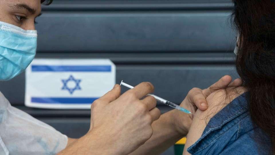Sondaj: Jumătate dintre israelieni nu vor să facă a treia doză de vaccin