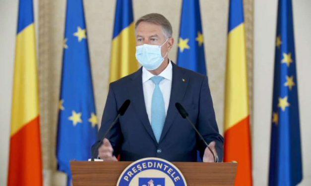 România educată marca Iohannis: Sunt mulți români care s-au vaccinat, păcat că sunt puțini