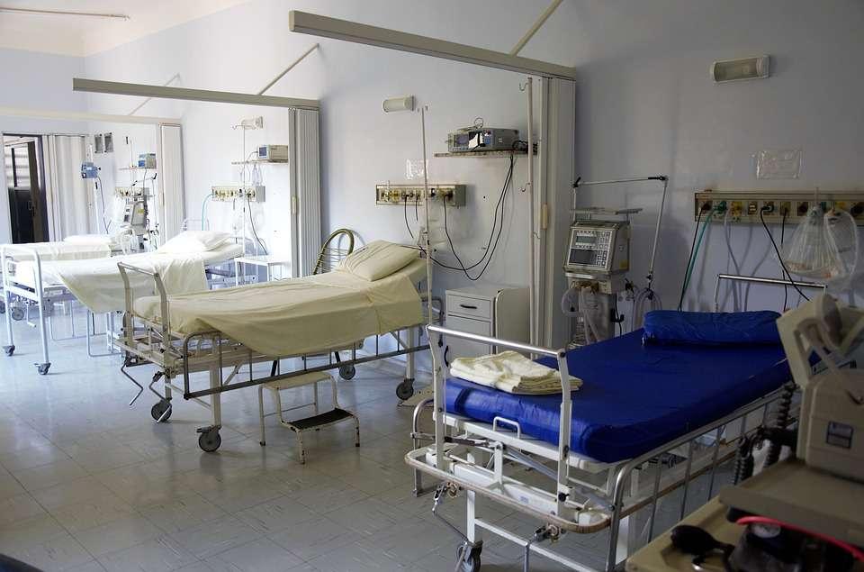 Irlanda: Pozitivii care nu sunt internați la spital din cauza virusului vor fi excluși din date