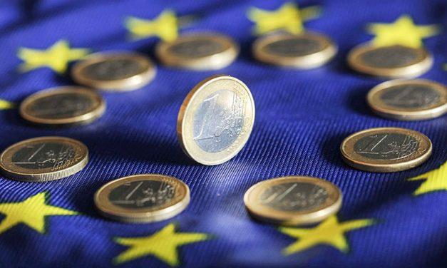 UE și-a mărit cu 30% bugetul de zboruri private dar cere cetățenilor să strângă cureaua pentru binele planetei