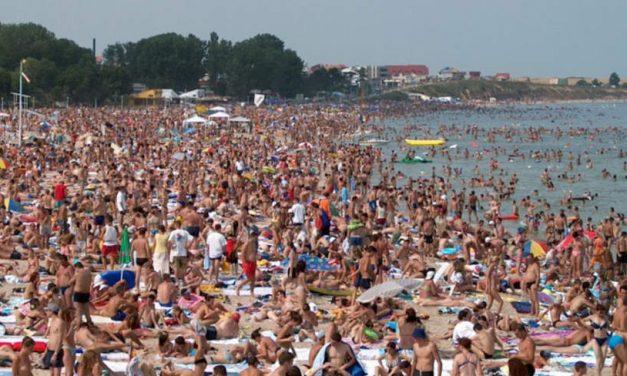 Restricţiile din Grecia şi Turcia au impulsionat rezervările pe litoralul românesc pentru luna septembrie