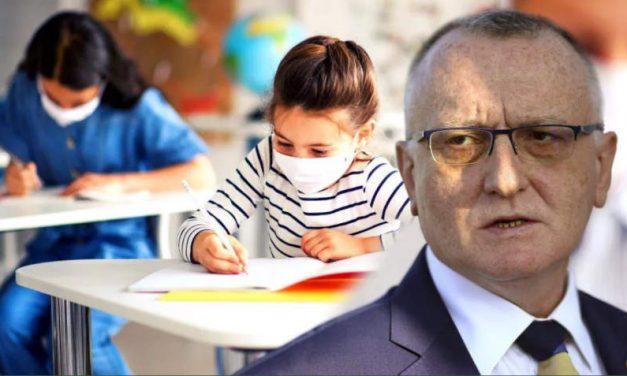 Ministrul Educației: Nu vor fi niciun fel de restricții pentru nevaccinați. Se va ține de cuvânt când vine valul 4?