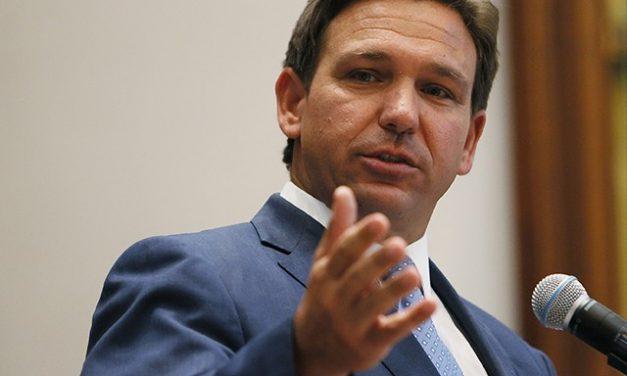 Guvernatorul Floridei vrea ca firmele care obligă la vaccinare să fie răspunzătoare pentru reacțiile adverse